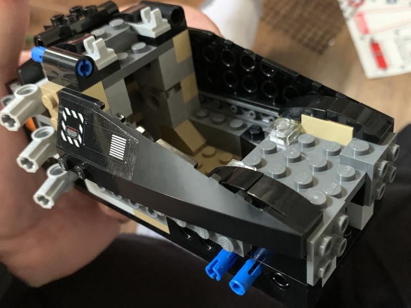 3D2AD39B-597C-4D92-AC38-29C15C859A3F